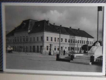BEČEJ -OSNOVNA ŠKOLA 1940-1950      ( II-28 )
