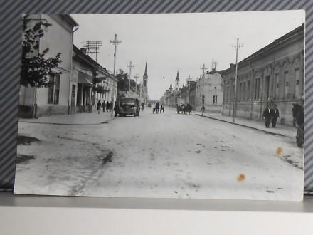 BEČEJ -glavna ulica -1950-1960           ( II-41 )
