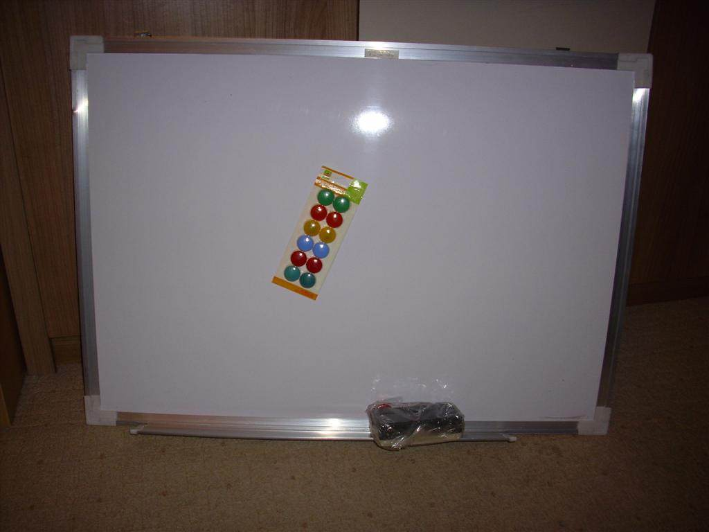 Yarial.com = Ikea Tabla Za Pisanje ~ Interessante Ideen ...