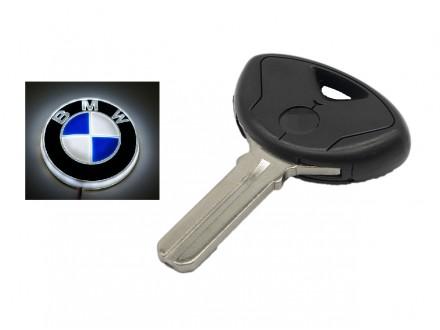 BMW kljuc - crni - pljosnat mac