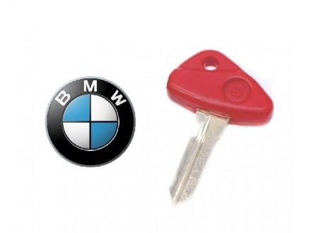 BMW kljuc - crveni