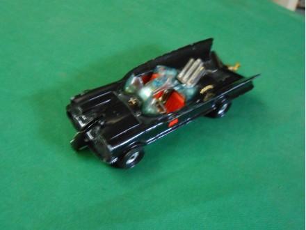 Batman Batmobile Corgi igračka 1960-ih