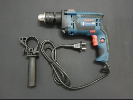 Bosch bušilica 800W NOVO