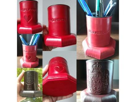 Čaše za olovke,prirodna koža,graviranje po želji kupca