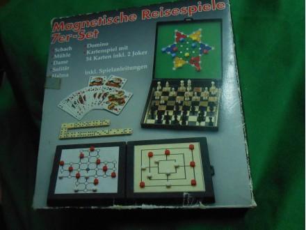 Društvena igra Set od 7 igara,magnetna tabla