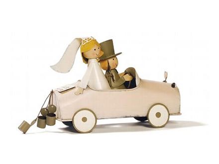 Figura - Bridal Pair in Car