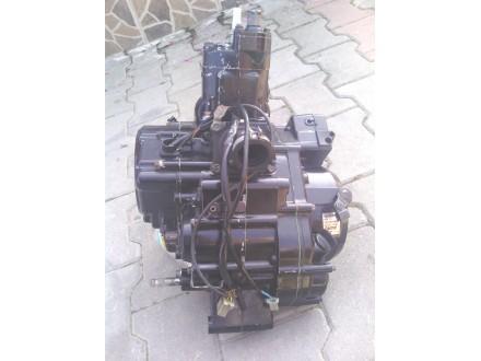 Honda 125 agregat