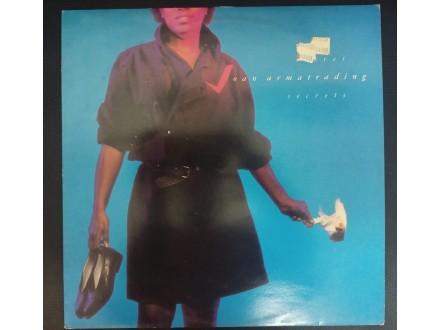 Joan Armatrading - Secret Secrets LP (MINT,1985)
