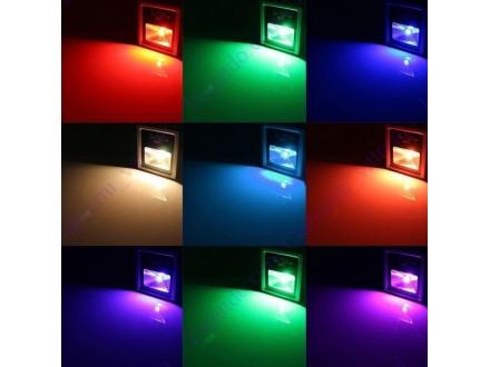 LED RGB reflektor, 30 W + BESPL DOST. ZA 3 ART.