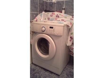 Mašinu za pranje veša LG- WD-10302 TUP