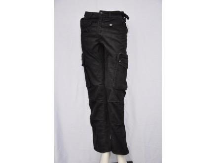 Pantalone DC Shoe Co. Dalke somot crne nove Vel. 28