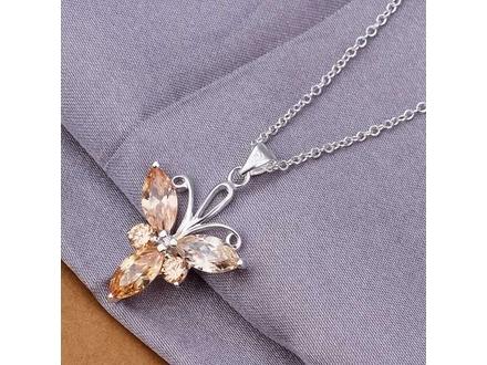 Posrebrena prelepa ogrlica 925,leptir