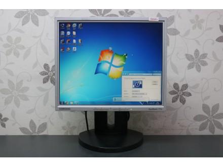 """Samsung 17"""" TFT monitor 1321"""