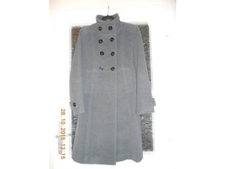 Siv ženski kaput