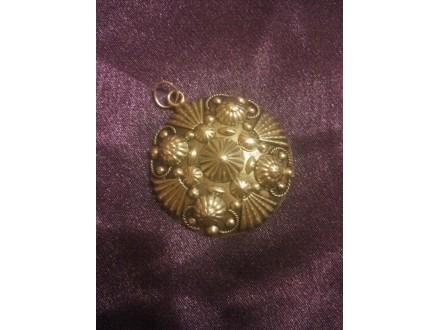 Stari privezak za ogrlicu