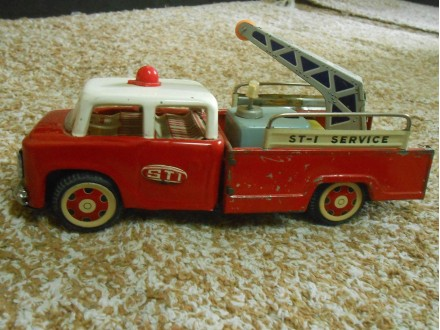 VINTAGE CRANE TIN METAL TOY TRUCK ST-I FRICTION MF 715