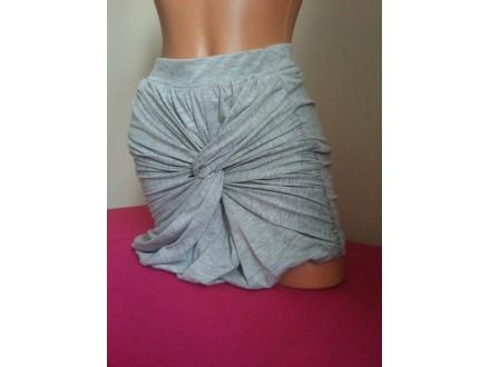 Vero Moda italijanska siva suknja