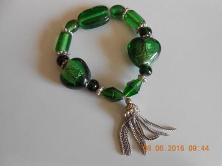 Zelena narukvica od kristala