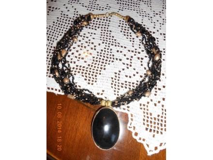 Zlatno - crna ogrlica