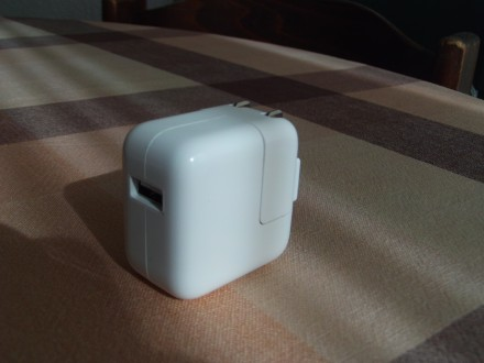 iPod USB power adapter - original Aplle - NOV
