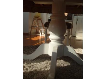 trpezarijski sto sa stolicama