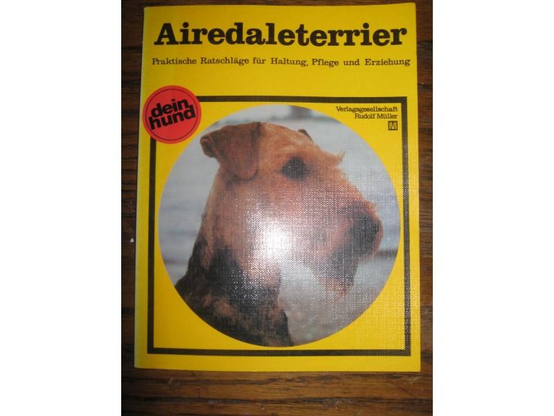 ,,AIREDALETERRIER,,