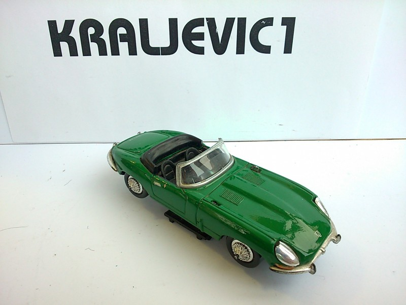 *JAGUAR E (1961) 1:43 new ray1997