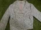 **Prelepa H&M jaknica-extra stoji-kao NOVA**