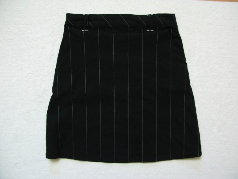 - - - REVIEW - - - suknja
