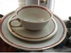 2 Exlusiv šolje za čaj sa tacnama i tanjirima