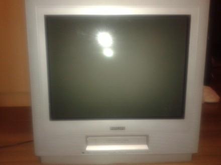 2 televizora