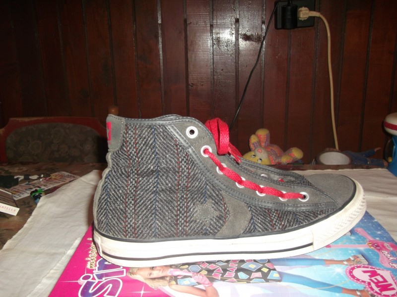 ALL STAR CONVERSE,ORIG. INDONEZIA VEL. 42,5