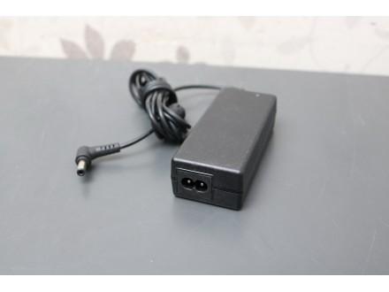 APD adapter za laptop 19V 3.42A
