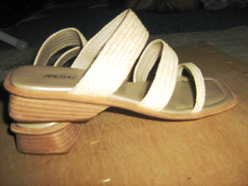 APEPAZZA -orig. kozne papuče -37-nove