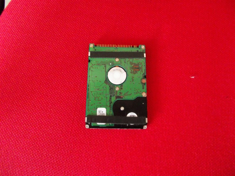 ATA Hard Disk IBM  8GB bez nalepnice - ispravan