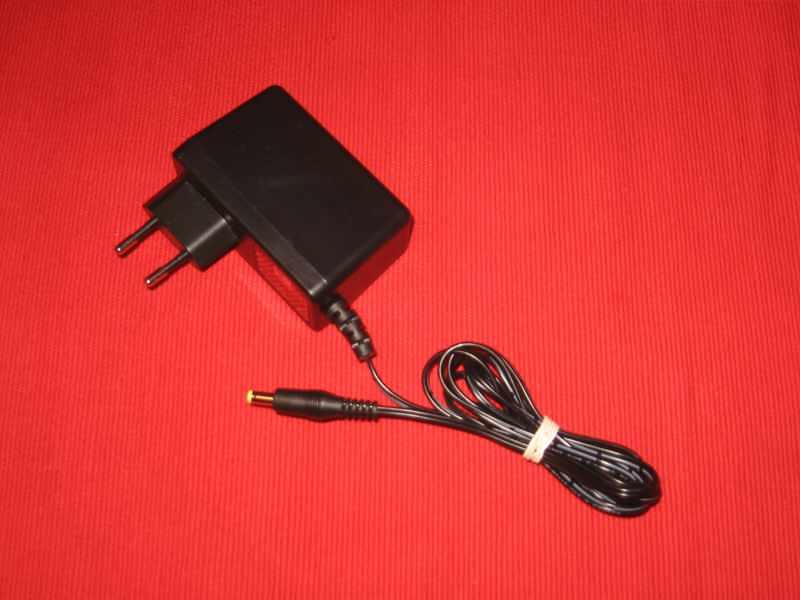 Adapter 15V 1,5A