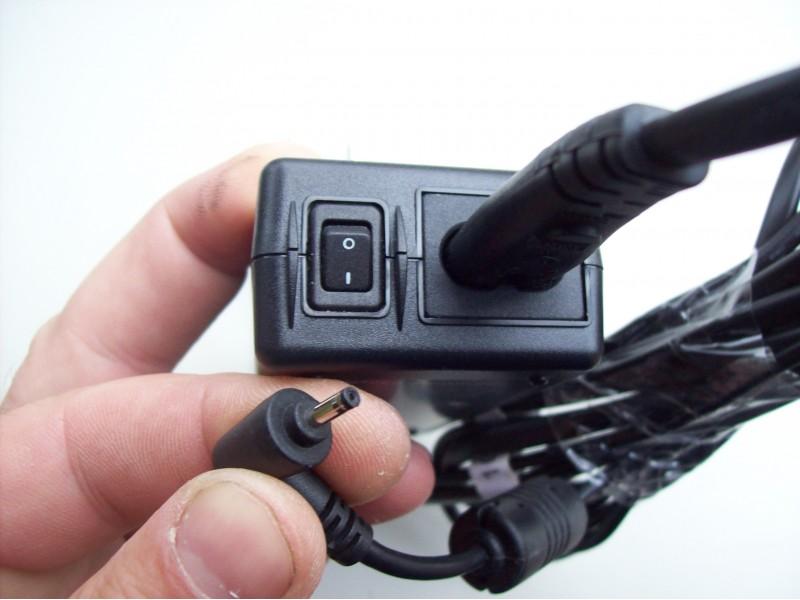 Adapter 19 v - 2.37 A  sa dzekom od 2.5 x 0.8 mm