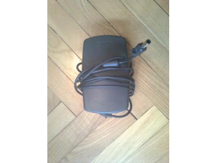 Adapter za stare Compaq notebookove 16.5V  2.6A
