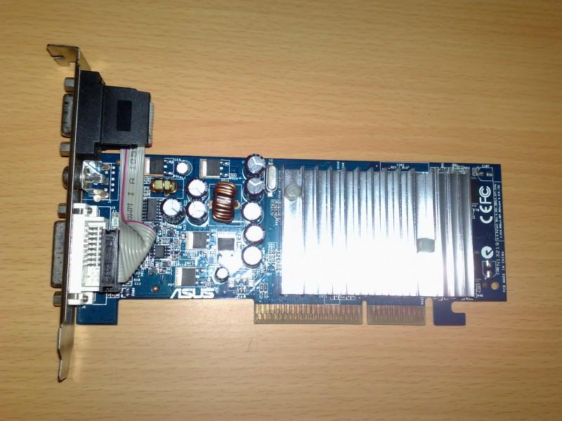 Agp graficka ASUS Ge Force 6200 / 128 mb!