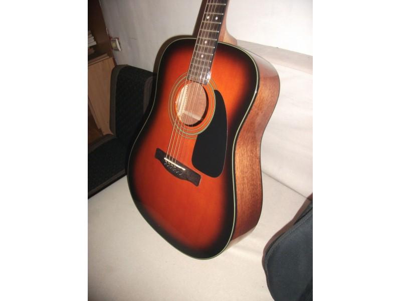 Akusticna gitara Fender CD60