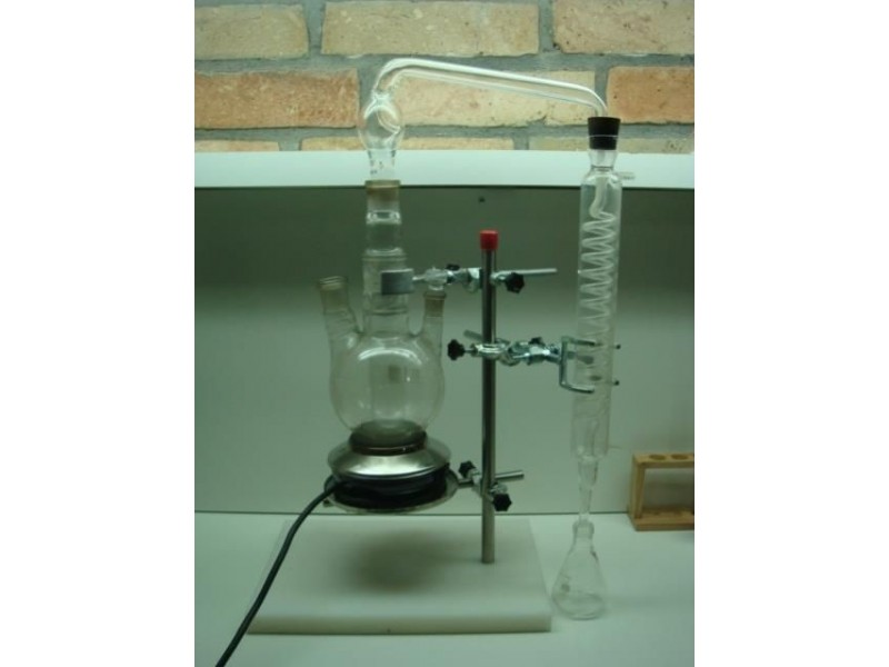 Aparatura za destilaciju kiselina iz VINA