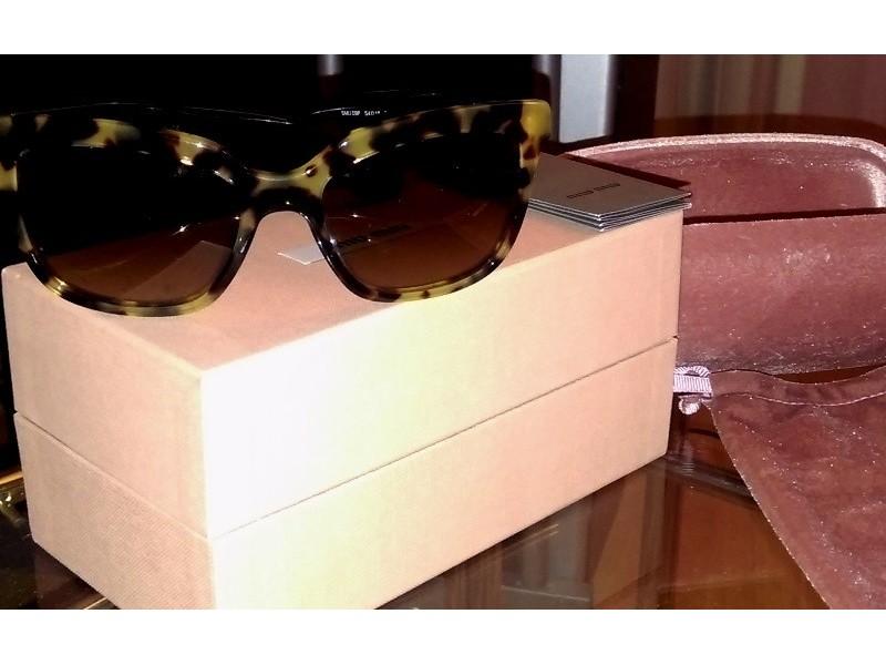 Authentic Miu Miu Sunglasses - luksuzne