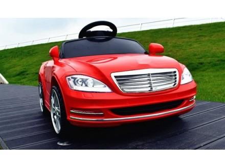 Automobil na akumulator model 232 crveni