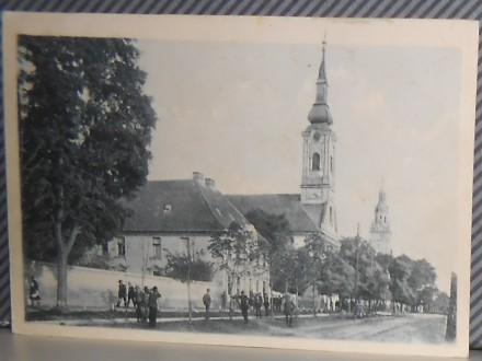 BEČEJ-- ?- pogled na dve crkve-okvirno1920/30  (II-30)