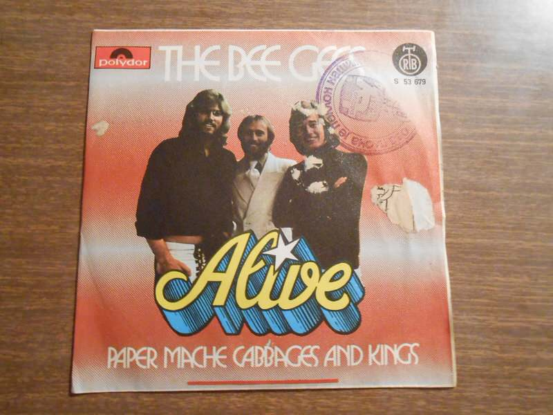 Bee Gees - Alive