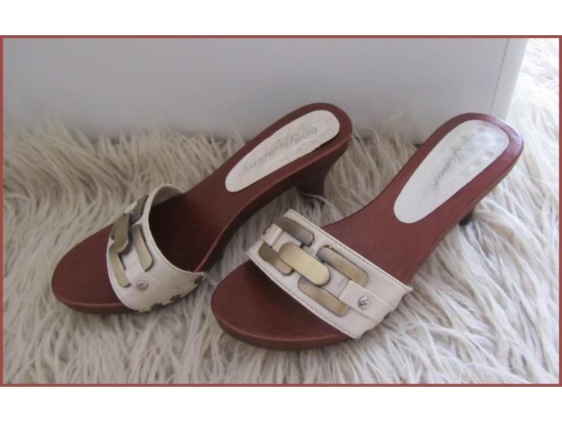 Bele papuče - broj 36