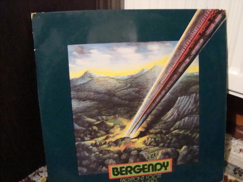 Bergendy - Fagypont Fölött Miénk A Világ