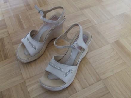 Bež kožne sandale br.38