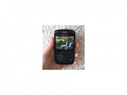 Blackberry Curve 8520(CITAJ OPIS)