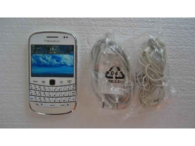 Blackberry Touch 9900(CITAJ OPIS)